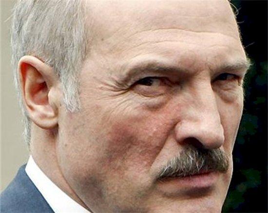 პრეზიდენტი ლუკაშენკო - «თავხედი რეგვენი ტანკზე უარესია»
