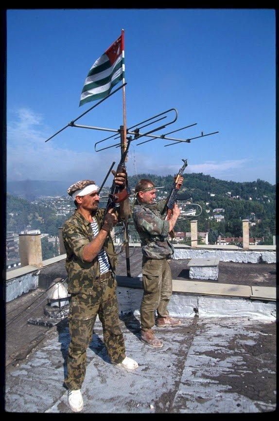 Дома Грузин в Абхазии? - с глаз домой.