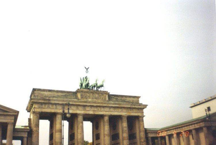 გერჰარდ შრიოდერი გერმანულ პოლიტიკას ცვლის
