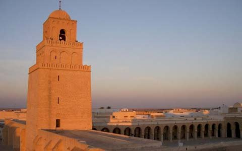 Церкви и Мечети